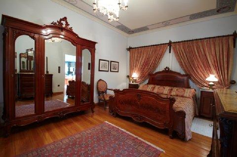 Argentikon Luxury Suites - Suite Bedroom