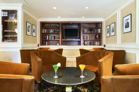 Millennium Knickerbocker Hotel - Martini Bar Library