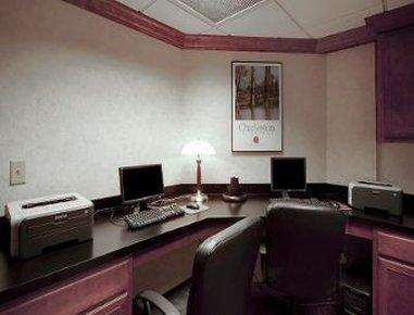 Hawthorn Suites by Wyndham Charleston - Business Center