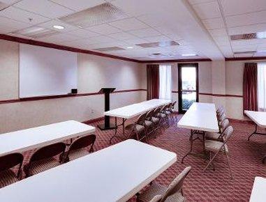 Hawthorn Suites by Wyndham Charleston - Meeting Room
