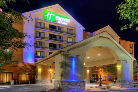 Holiday Inn Express & Suites ALBUQUERQUE MIDTOWN - Albuquerque Holiday Inn Express-Midtown Hotel Exterior