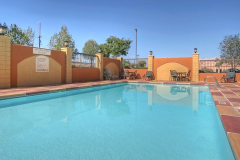 Holiday Inn Express & Suites ALBUQUERQUE MIDTOWN - Albuquerque Holiday Inn Express-Midtown Swimming Pool