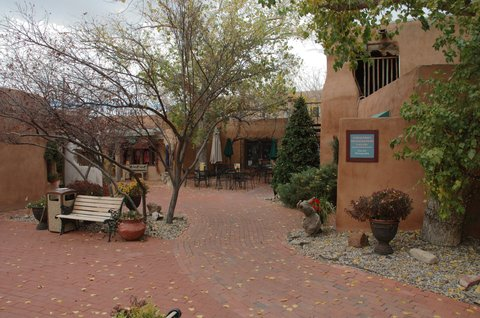 Holiday Inn Express & Suites ALBUQUERQUE MIDTOWN - Old Town