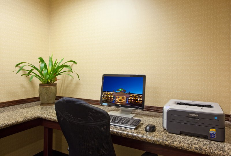 Holiday Inn Express & Suites ATHENS - Athens, OH