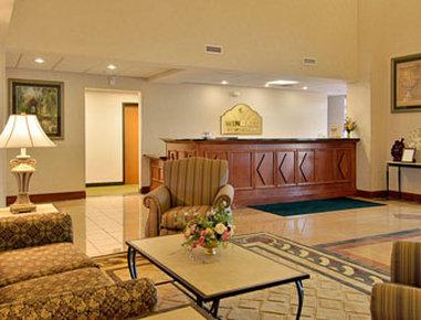 Wingate by Wyndham Madison / Lake Oconee Area - Lobby