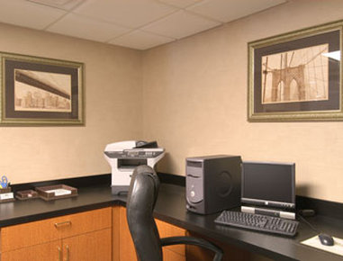 Wingate by Wyndham Madison / Lake Oconee Area - Business Center