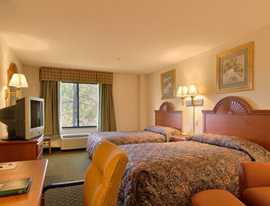 Wingate by Wyndham Madison / Lake Oconee Area - Standard Two Double Bed Room
