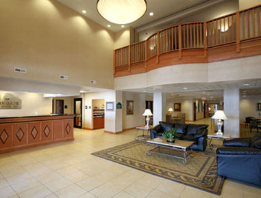 Wingate by Wyndham Champaign - Lobby