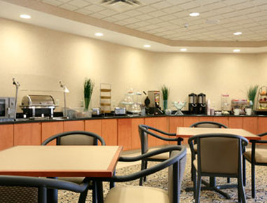 Wingate by Wyndham Champaign - Breakfast Area