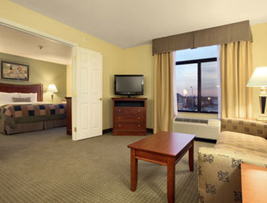 Wingate by Wyndham Champaign - Suite King