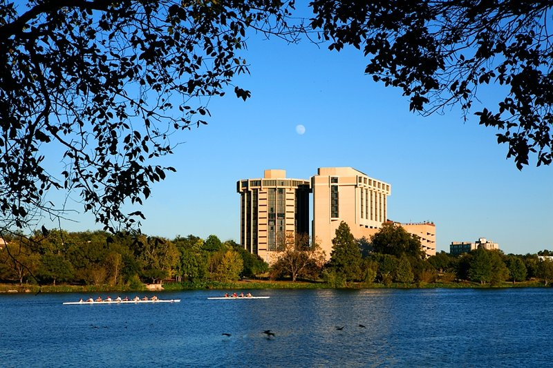 Holiday Inn-Austin-Town Lake - Austin, TX