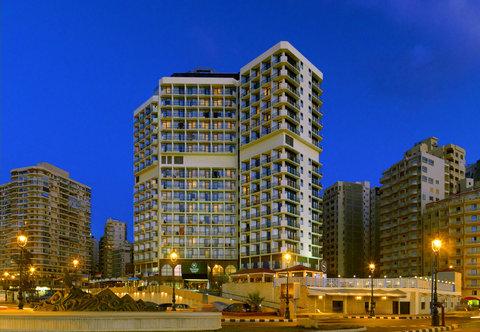 فندق شيراتون المنتزه - Facade