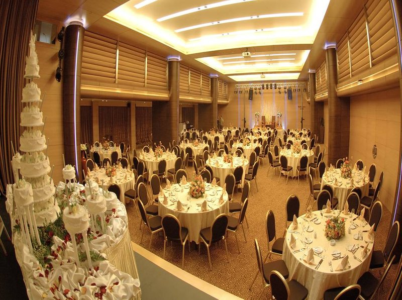 Holiday Inn Beirut-Dunes BallRoom