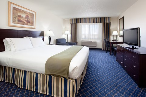 Holiday Inn Express & Suites SCOTTSBLUFF-GERING - King Bed Guest Room