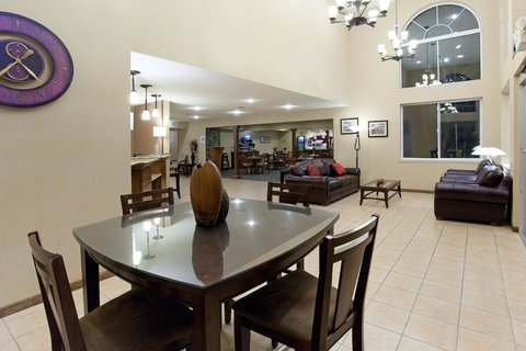 Holiday Inn Express & Suites SCOTTSBLUFF-GERING - Hotel Lobby