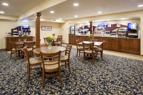 Holiday Inn Express & Suites SCOTTSBLUFF-GERING - Breakfast Bar