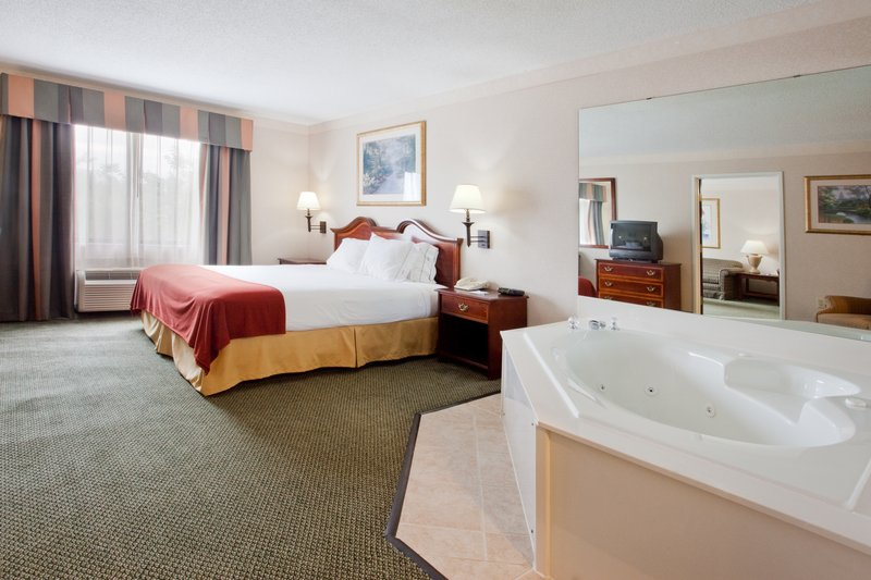 Holiday Inn Express Hotel & Suites - Buford, GA