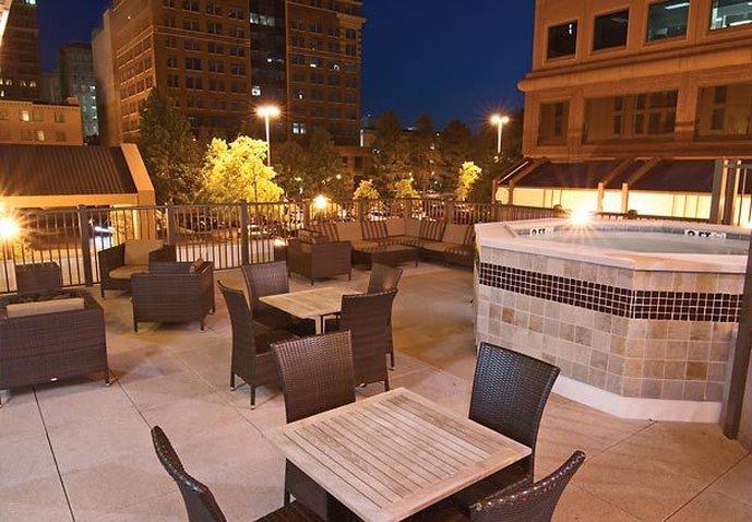 Courtyard Memphis Downtown Egyéb