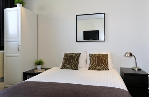 Queen Hotel - Single Room