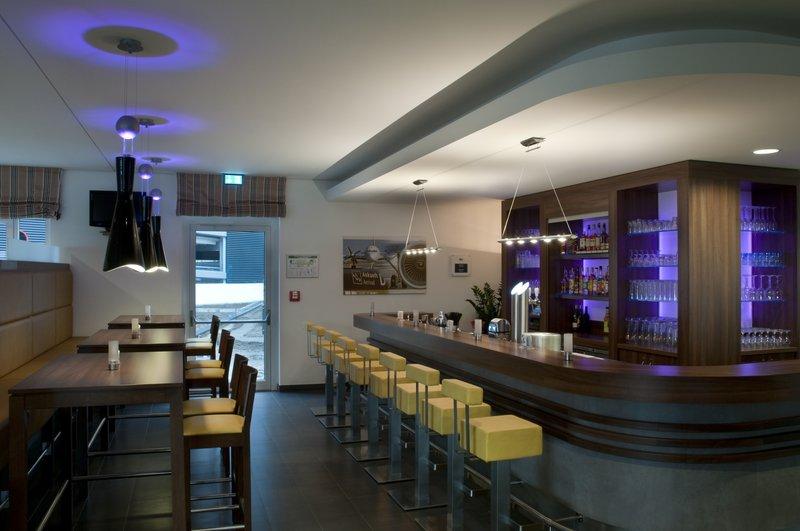 Holiday Inn Express Bremen Airport Bar/lounge
