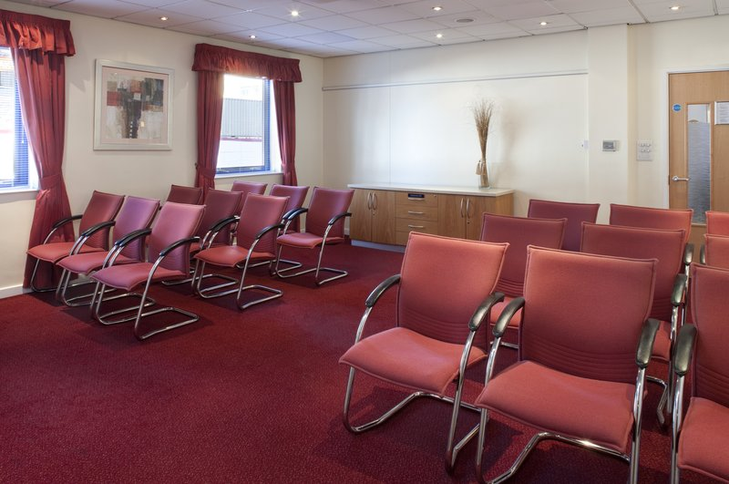 Holiday Inn Express London-Park Royal Meeting room