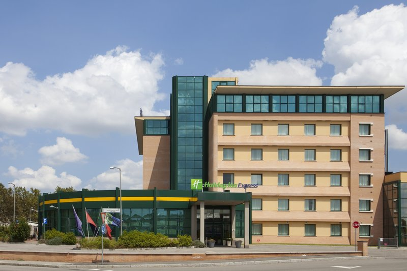 Holiday Inn Express Bologna-Fiera Vista esterna