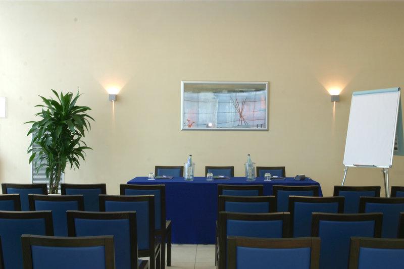 Holiday Inn Express Bologna-Fiera Sala convegni