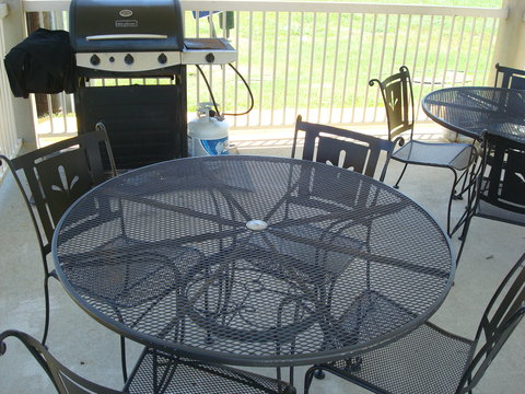 Candlewood Suites BEAUMONT - Guest Patio with Grill