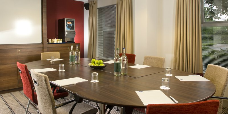 Holiday Inn Express Bristol-North Meeting room