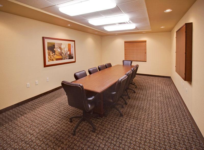 Candlewood Suites - Bellevue, NE