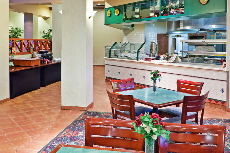Holiday Inn University Plaza-Bowling Green Gastronomie