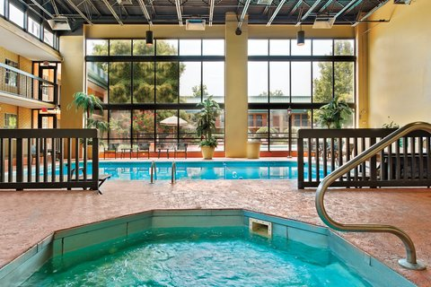 Holiday Inn Blytheville Hotel - Swimming Pool