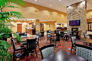 Restaurant - Holiday Inn Express Hotel & Suites Vista Area Columbia