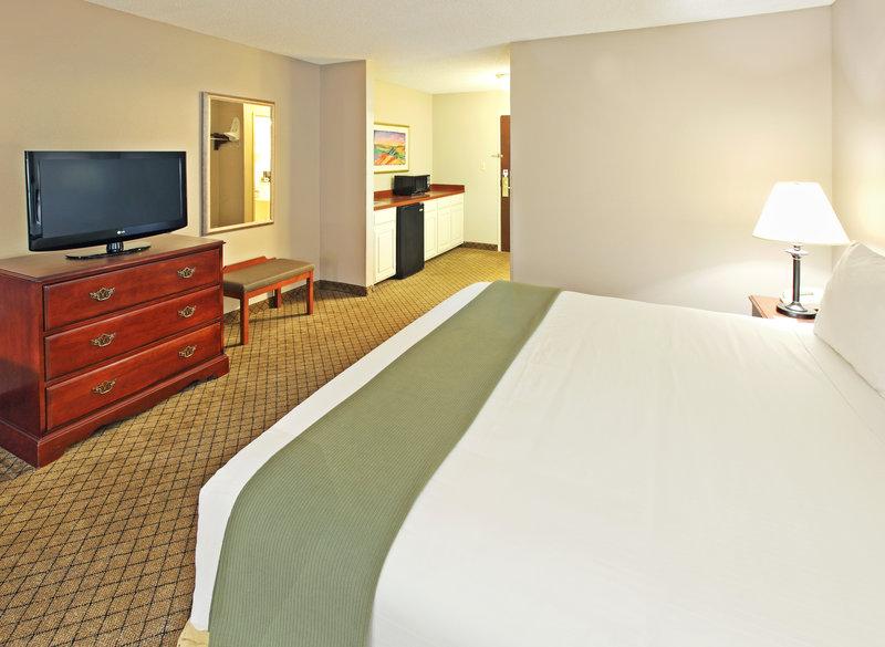 Holiday Inn Express & Suites CAMDEN - Camden, AR