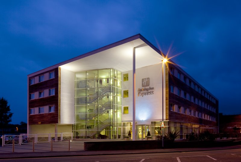 Holiday Inn Express Chester-Racecourse Vista esterna