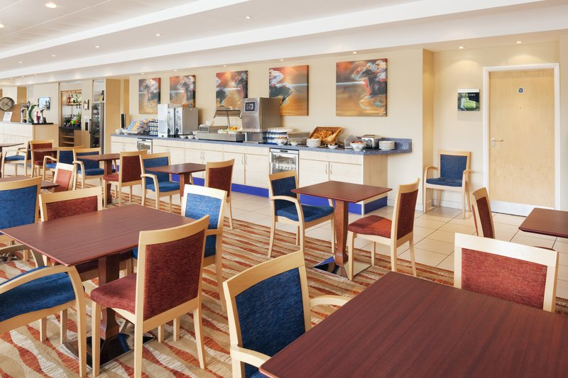 Holiday Inn Express Chester-Racecourse Ravintolat