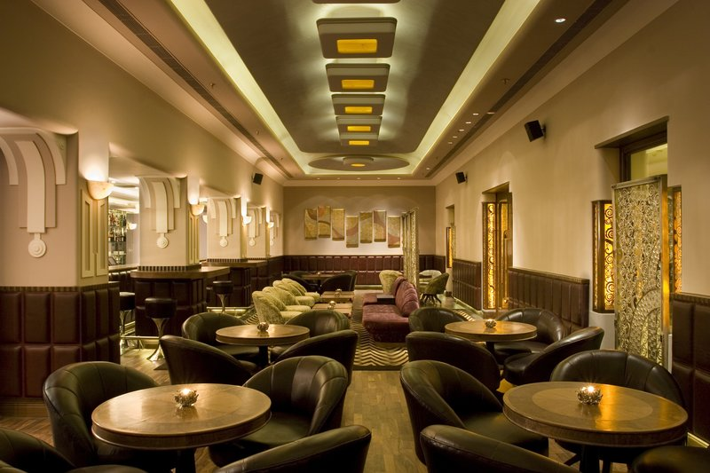Vivanta by Taj - Ambassador Bar/Lounge