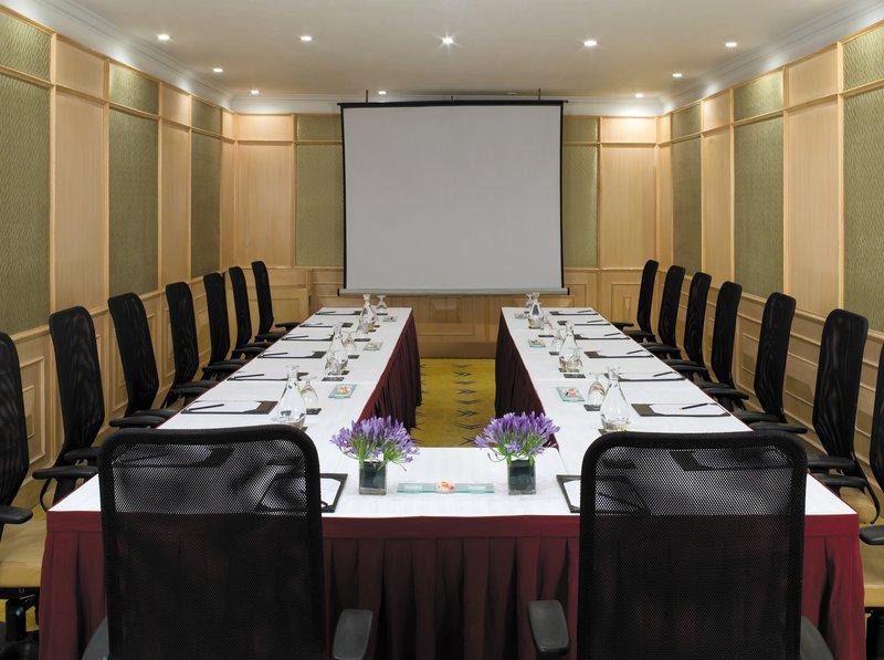 Vivanta by Taj - Ambassador Sala de conferências