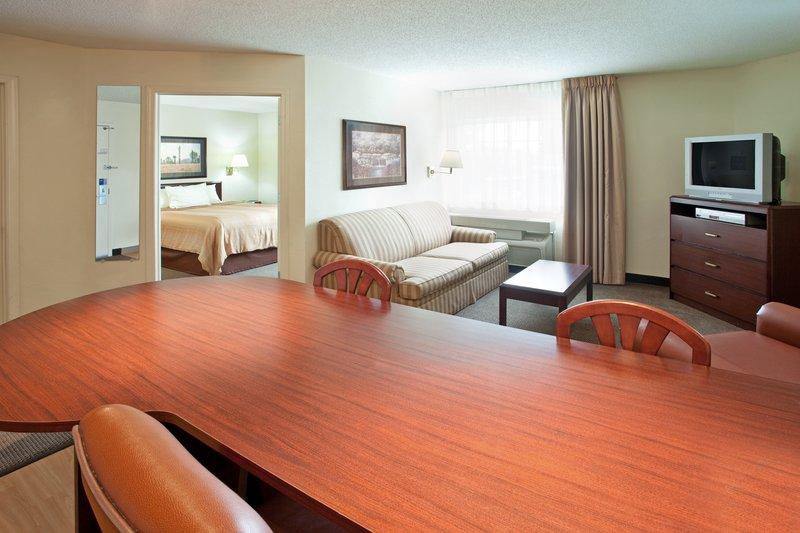Candlewood Suites - Warrenville, IL