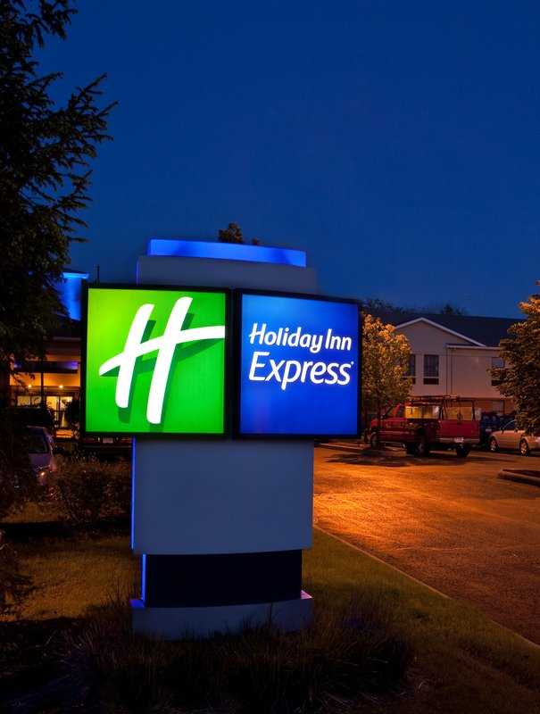 Holiday Inn Express-Oakwood