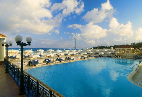 فندق شيراتون المنتزه - Swimming Pool
