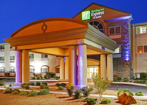 Holiday Inn Express & Suites CARLSBAD - Welcome to our Carlsbad  NM hotel