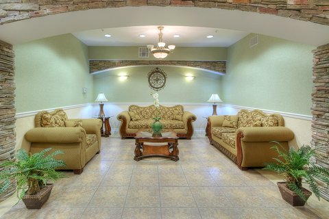Holiday Inn Express & Suites CARLSBAD - Hotel Lobby