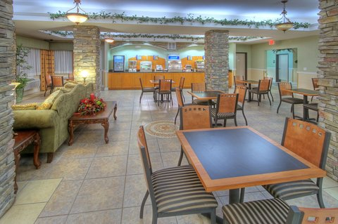 Holiday Inn Express & Suites CARLSBAD - Breakfast Area