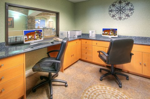 Holiday Inn Express & Suites CARLSBAD - Business Center
