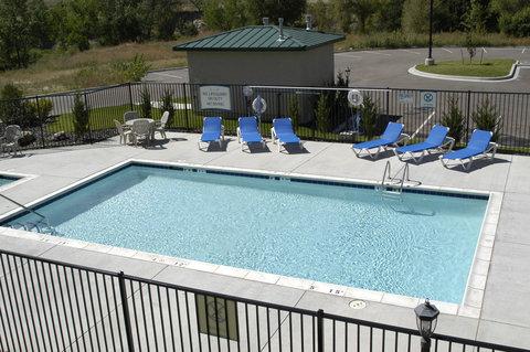 Staybridge Suites CO SPRINGS-AIR FORCE ACADEMY - Pool View