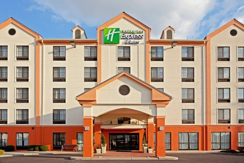 Holiday Inn Express Hotel & Suites Meadowlands Area Buitenaanzicht