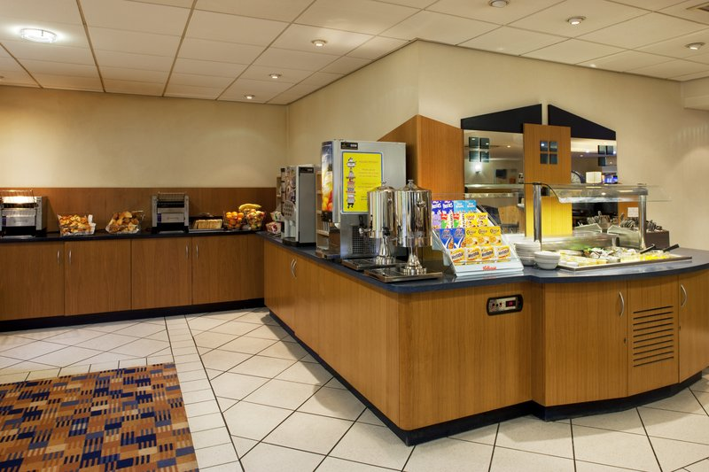 Holiday Inn Express Canterbury Gastronomy