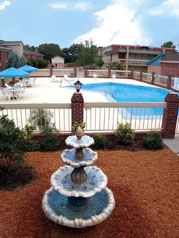 Holiday Inn Express & Suites CORINTH - Pool View