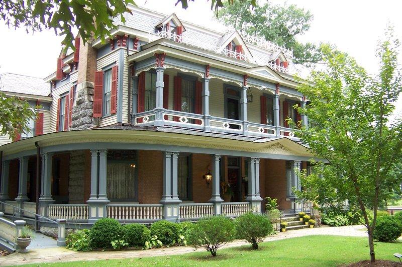Holiday Inn Cartersville - White, GA